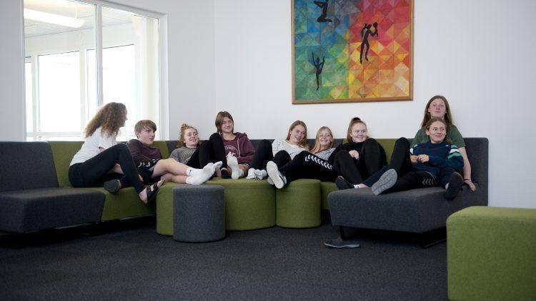 Afslapning på sofaen med Lyngs elever