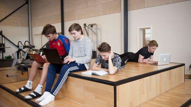 Gruppearbejde med eleverne